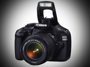 Зеркальная фотокамера Canon